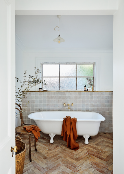 7 Steps That Will Take Your At-Home Bath to a Luxurious New Level