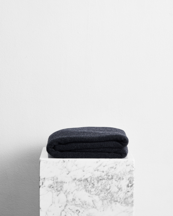 100% Cashmere Throw in Charcoal