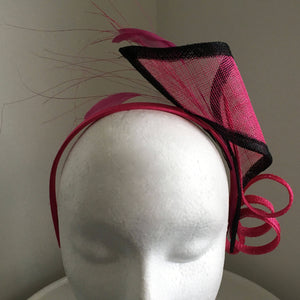 Lana Black & Pink Fascinator, Kentucky Derby Fascinator, Pink Royal Hat, Ladies Wedding Hat, Bright Pink Horse Racing Fascinator
