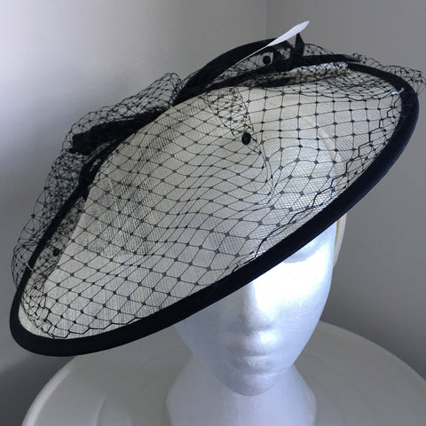 Lydia Black & Cream White Fascinator, Kentucky Derby Hat, Saucer-Style Hat, Royal Millinery, Black White Hat, Wedding Hats for Women, Tea Hat