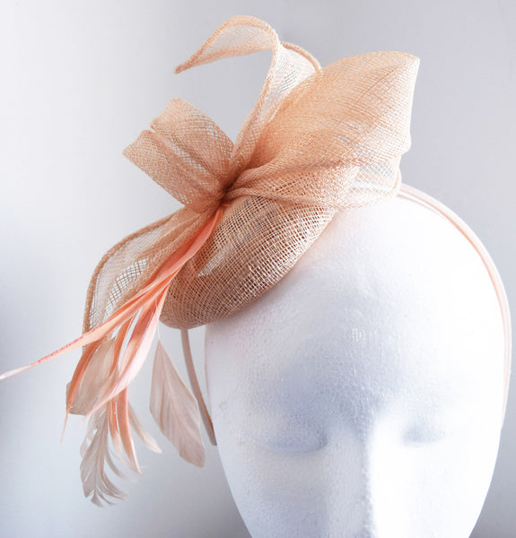 Betsy Pale Salmon Fascinator, Light Peach Kentucky Derby Hat, Cocktail Hat, Ladies Tea-Party Fascinator, Spring Racing Fashion, KY Oaks 2019