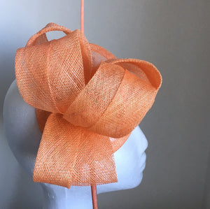 Cara Salmon Orange / Tangerine Fascinator, Kentucky Derby Fascinator, Salmon Orange Fascinator, Wedding Hats, Tea Party Hat