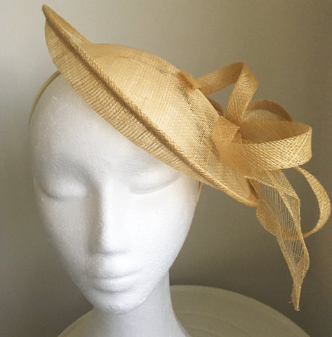 Milly Champagne /Neutral Fascinator, Kentucky Derby Hat, Fancy Hat, Neutral Color Hat, Ladies Wedding Hat, Champagne Fascinator, Royal Hat