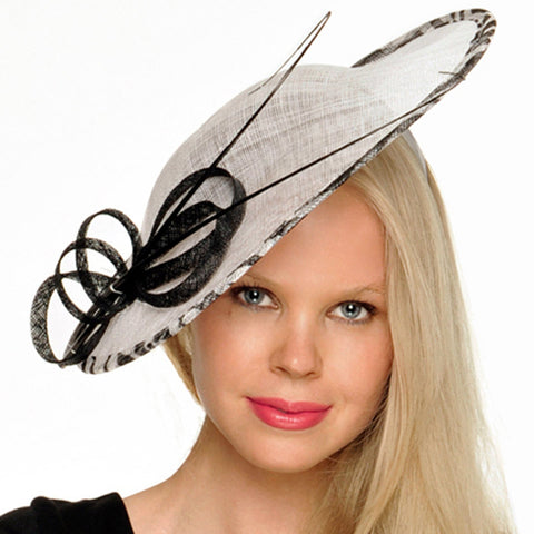 Victoria Black & White Kentucky Derby Fascinator Hat, Saucer Fascinator, Royal Hat, Women's Derby Hat, Tea-Party Hat, Wedding Hatinator