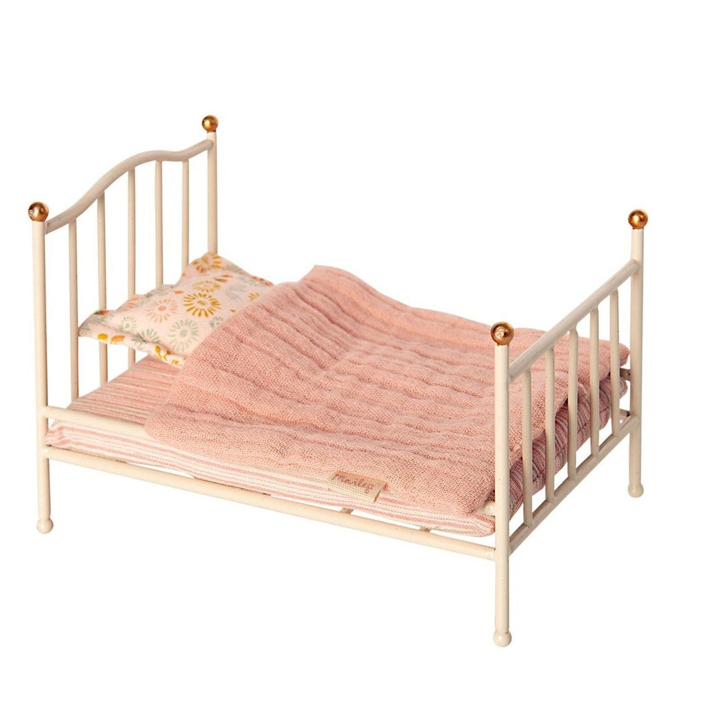 Vintage Bed for Mouse Off- White