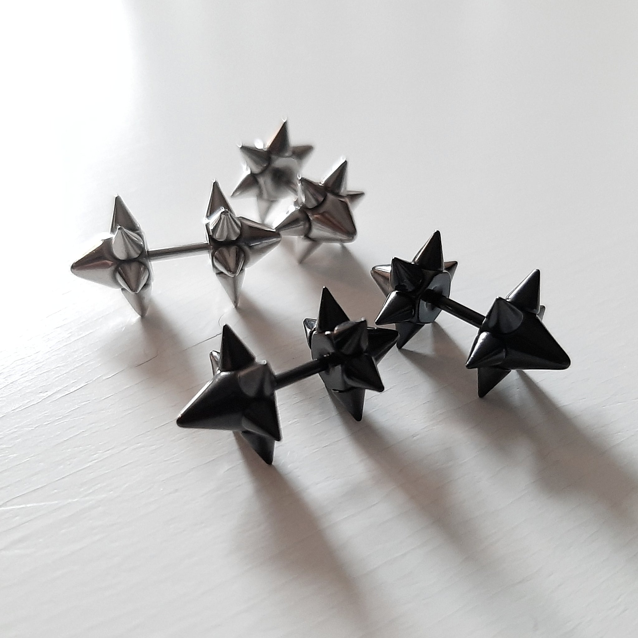 Star spike earrings