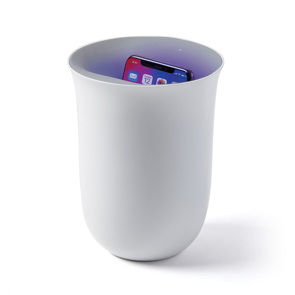 OBLIO Wireless charging station with built-in sanitizer