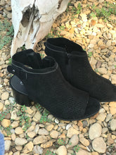 Load image into Gallery viewer, Black suede booties