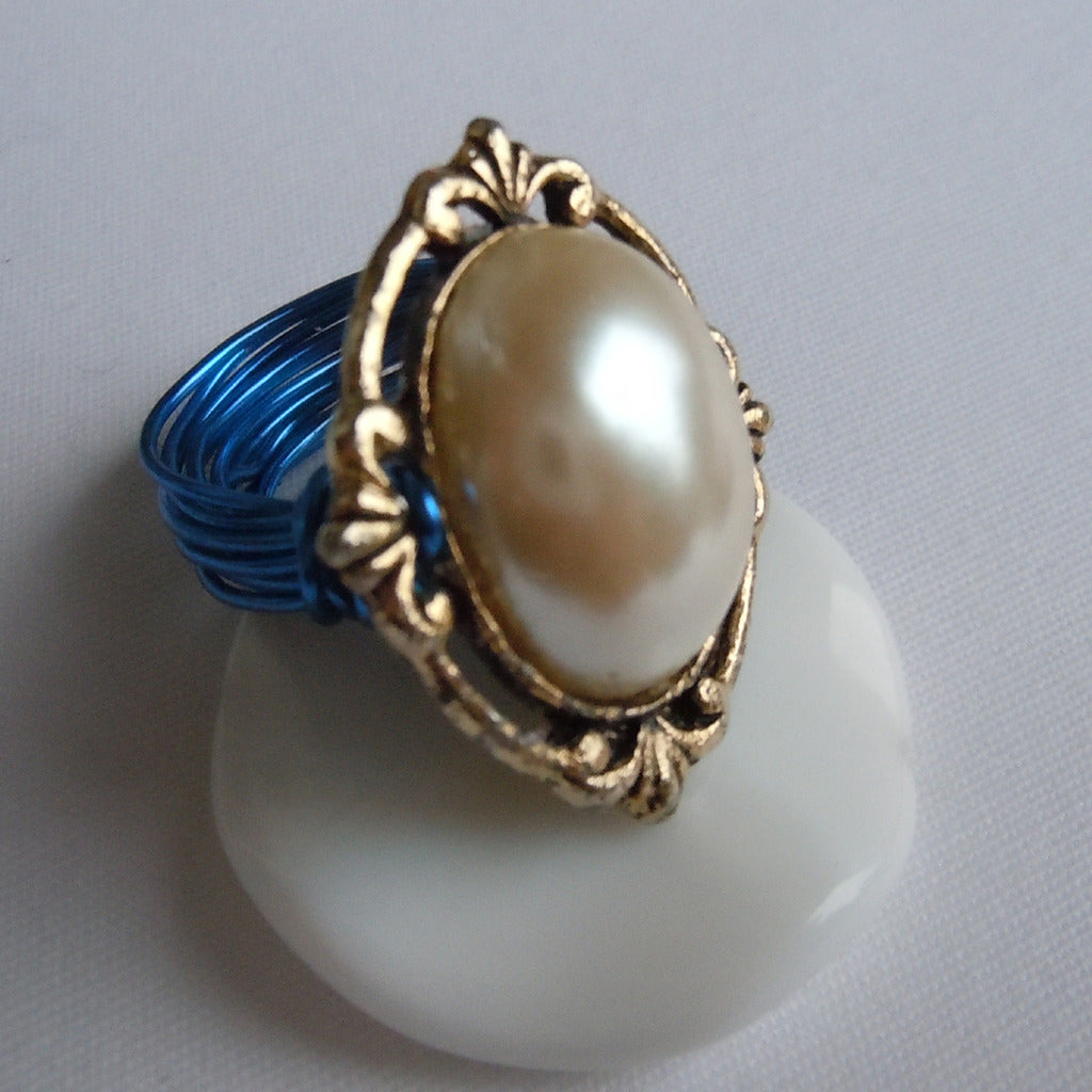 Victorian Gold & Pearl Blue Wire Ring
