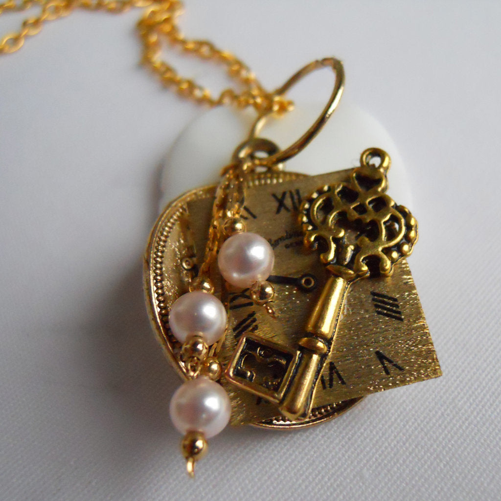 Pearls of Time Gold Pendant Necklace
