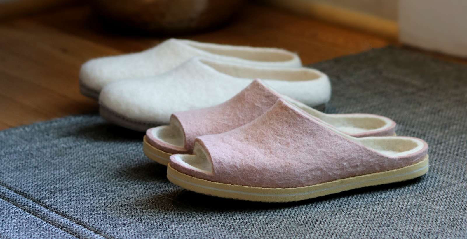 4 Healthy Reasons we Should be Wearing House Slippers and House Shoes