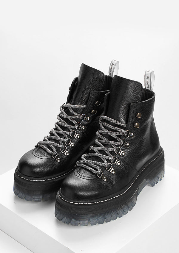 Desert Low Black Boots