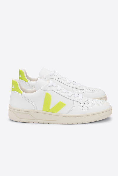 V10 Leather Extra White Juane-Fluo by Veja