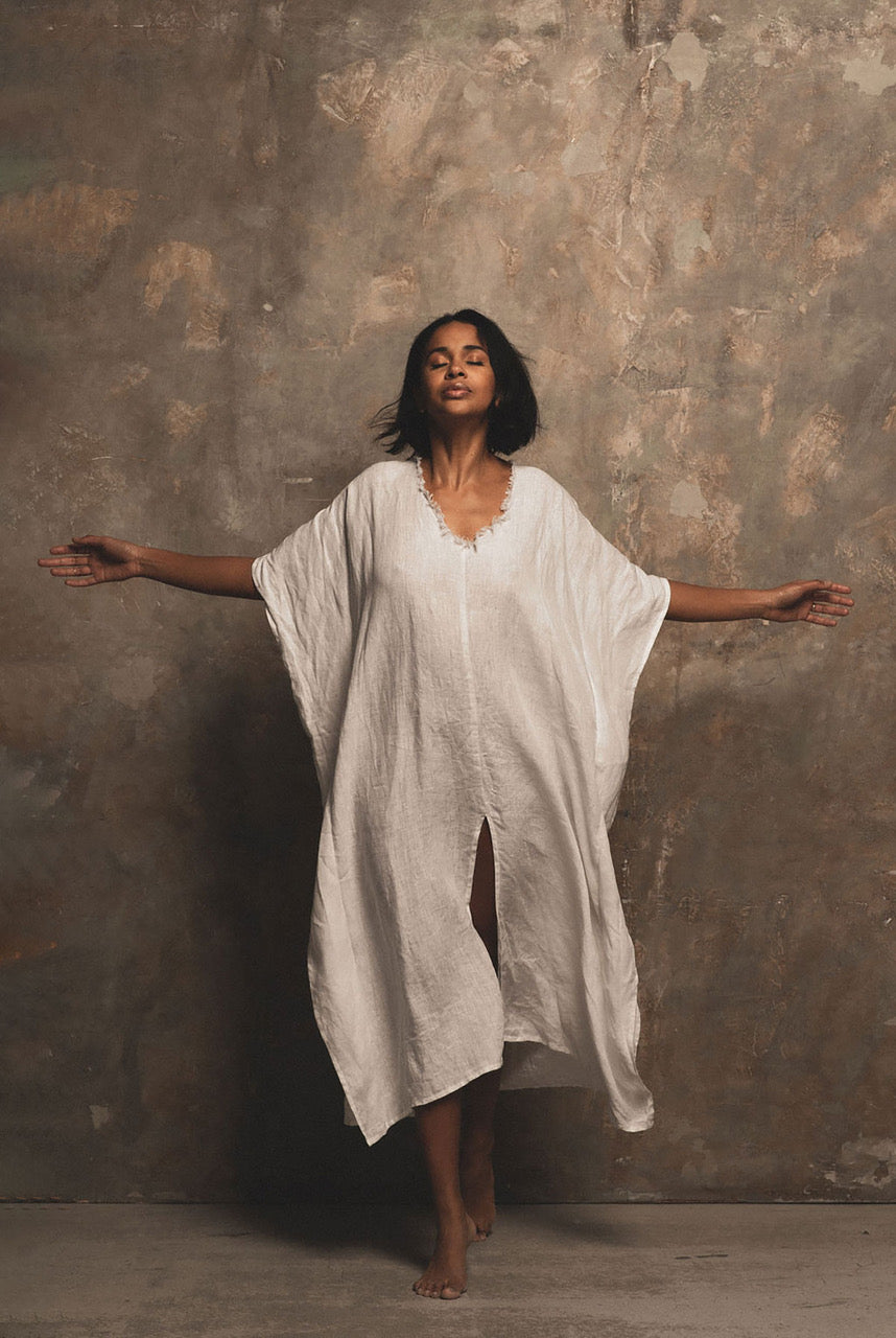 A Perfect Nomad LET THERE BE PEACE linen kaftan - One Size white