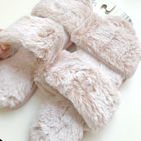 L-9053 Two Strap Fur Slide