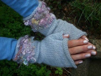 Kits - Knitted Fingerless Gloves