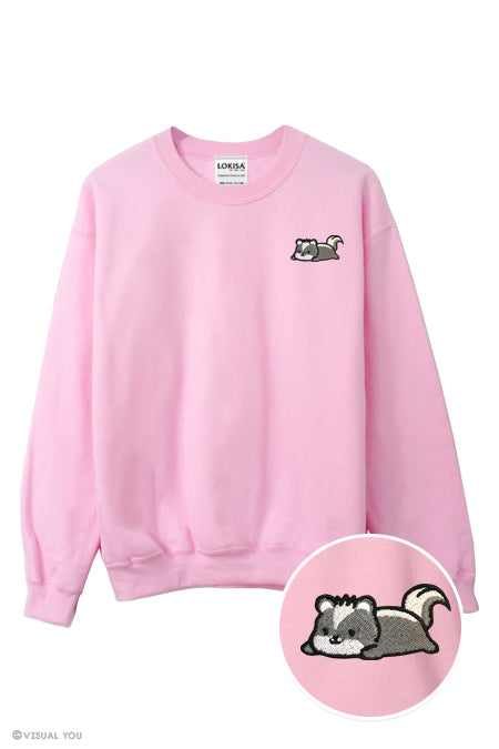 Relaxing Skunk Embroidered Sweatshirt