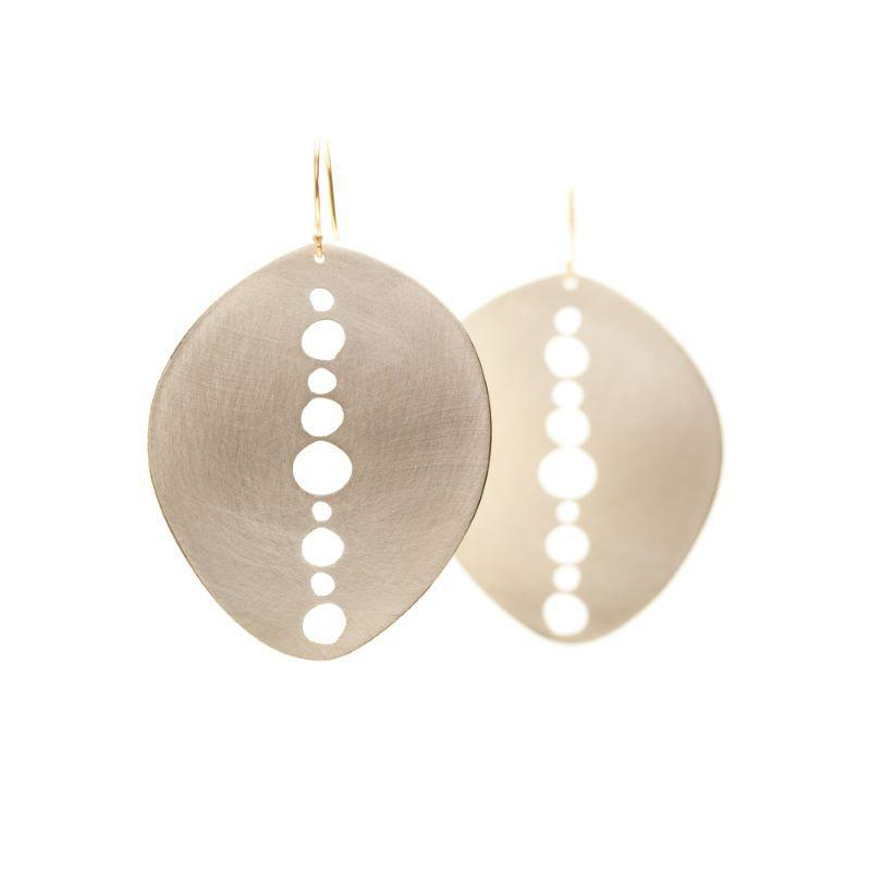Vanishing Oval Earrings