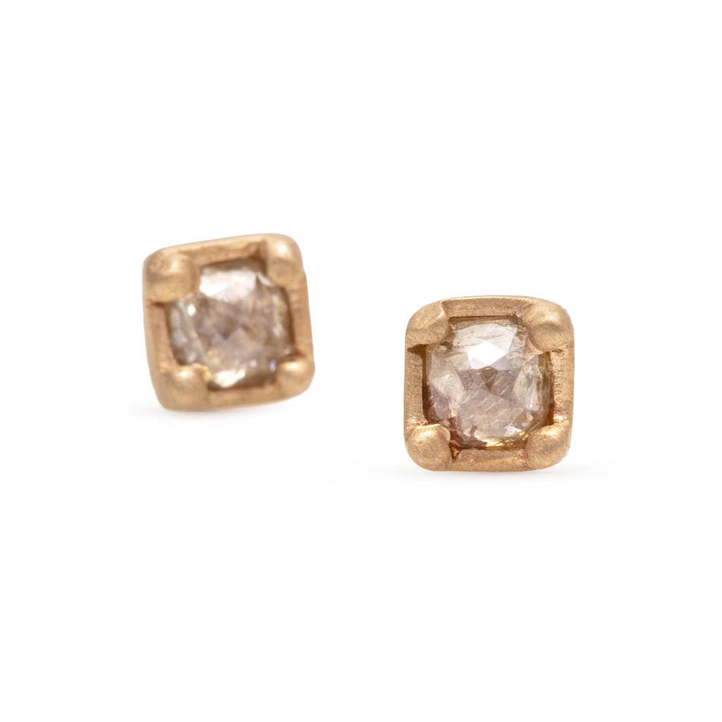 Small Princess Prong Studs