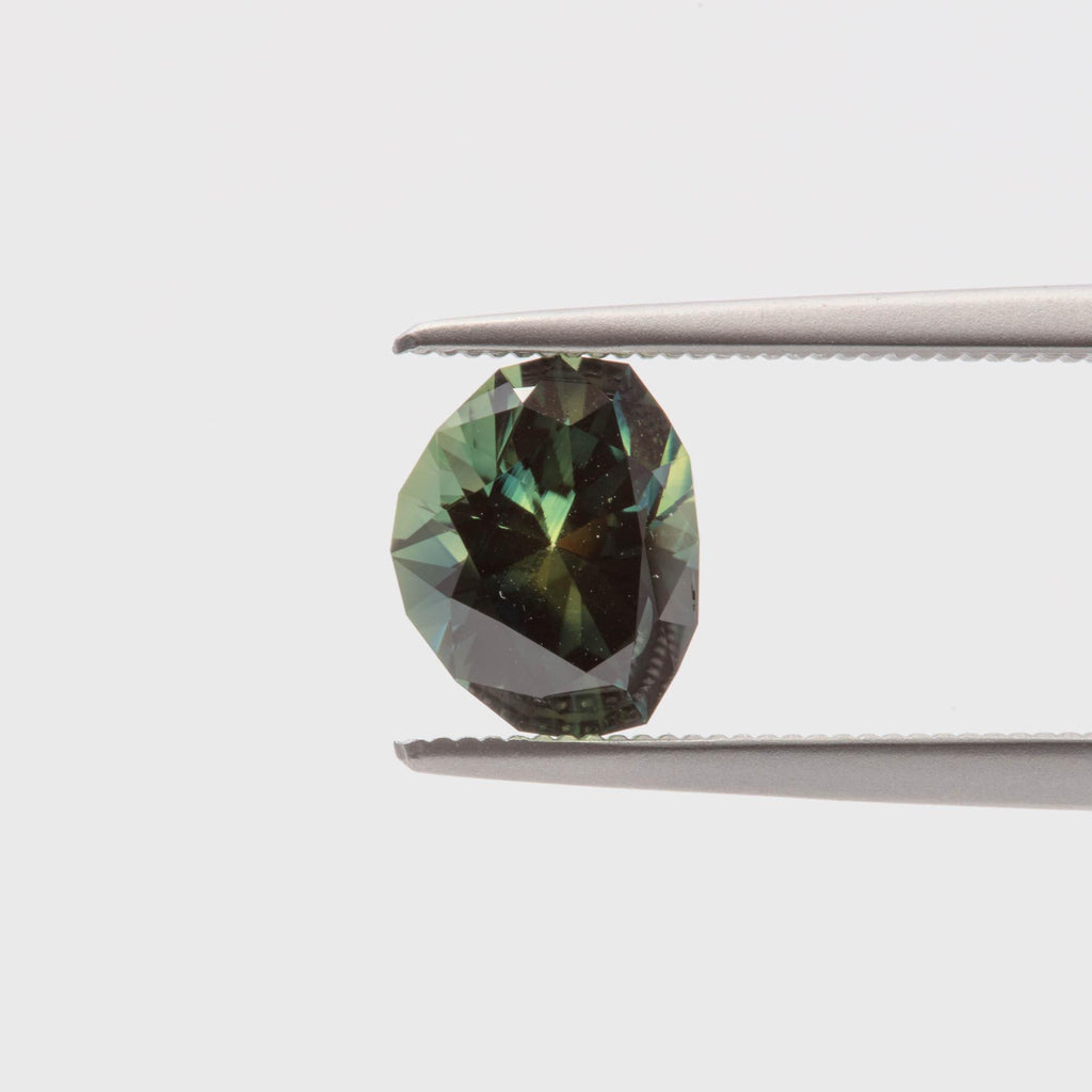 The Oasis (1.68ct Freeform Cut Sapphire)