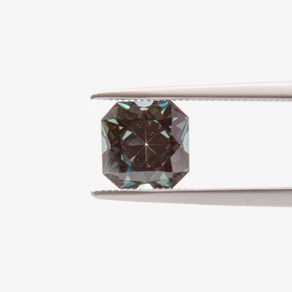 The Juniper (1.65ct Radiant Cut Sapphire)