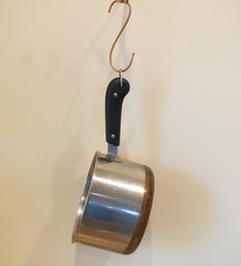 pot hanger with cooking pot