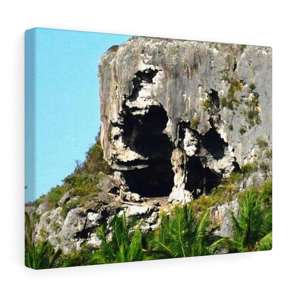 Crispy view of huge awesome caves of Mona Island - Puerto Rico - the Galapagos of the Caribbean - in Pajaros beach Canvas Printify