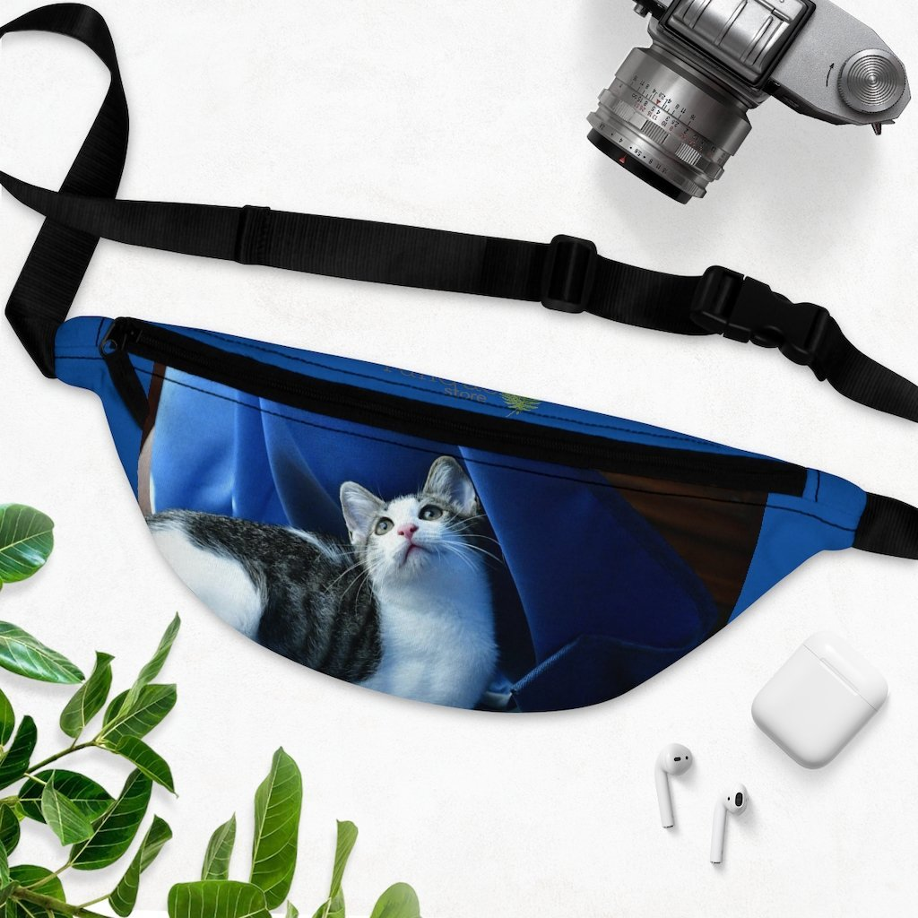 Fanny Pack with Organizer and Lightweight - The home cat Dante dazzled by the curtains movements and ligth - Isabela PR - Yunque Store