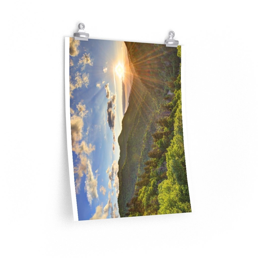 Premium Matte vertical posters - Newfound Gap Heavely day - in Smoky Mountain National Park in Summer in Mountain National Park (SMNP) USA - Yunque Store