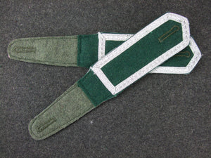 WW2 German Pre-War Early Shoulder Boards Sergeant Pair Dark Green