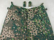 Load image into Gallery viewer, WWII German Elite HBT Pea Dot 44 Field Trousers
