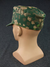 Load image into Gallery viewer, WW2 German Waffen Elite 44 Pea Dot Camo Field Cap With Badge