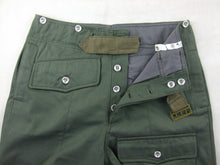 Load image into Gallery viewer, WWII German WH Assault Gun HBT Wrapper Trousers Pants