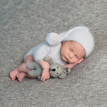 Load image into Gallery viewer, Newborn Art Style On Home Session