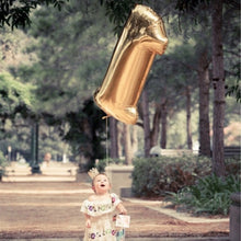 Load image into Gallery viewer, Kuchang 1st Birthday I Am One Kraft Paper Banner Baby Boy Girl Crown Hat 1st Party Decor Star Pendant Garland Bunting Supplies