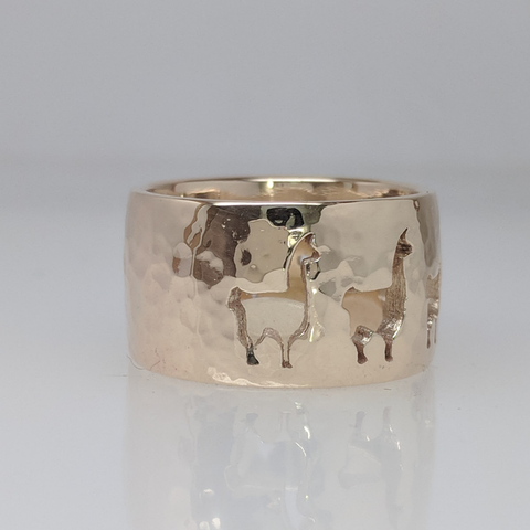 side view of Llama ring.