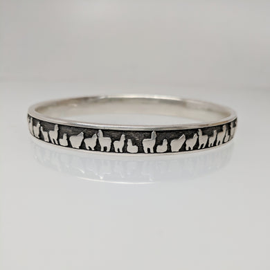 Alpaca Huacaya Her Line Eternity Bangle Bracelet - Sterling Silver; Oxidized Accent