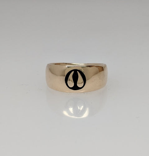 Alpaca or Llama Passion Print Signet Ring in 14K Yellow Gold - smooth and shiny finish