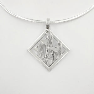 Llama Tri-Head Pendant  Diamond shape with smooth rim - Sterling Silver