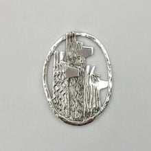 Load image into Gallery viewer, Alpaca Suri Tri-Head Pendant or Pin