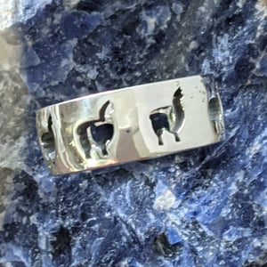Alpaca Huacaya Silhouette Icon Punch Ring -8mm