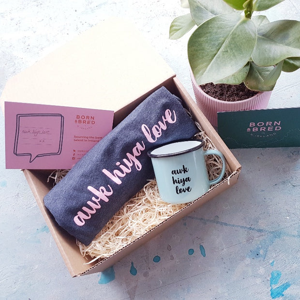 awk hiya love gift box blue