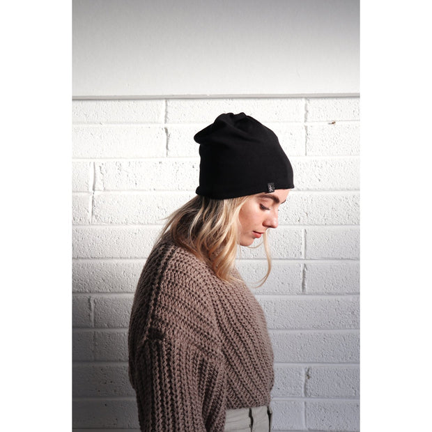 'Hetta' Pitch Black Multifunctional Beanie