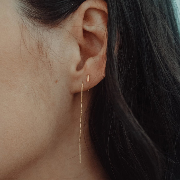 THREAD DROP STUD EARRING GOLD