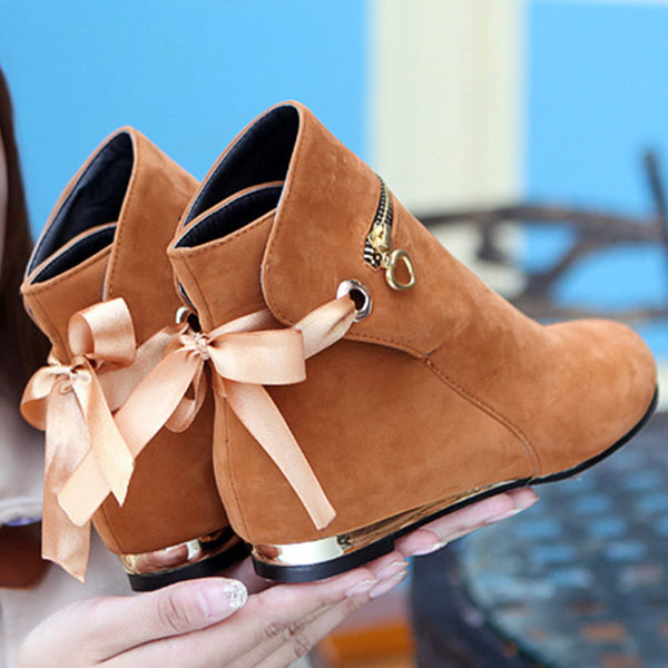 Women's Round Toe Zipper Detail Lace up Flat Boots