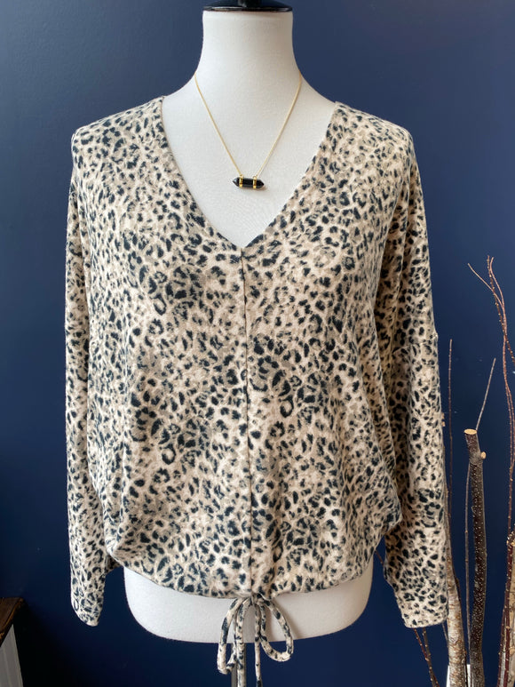 BB Dakota Tan Leopard Pullover
