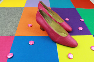 Tipping in Pink Pumps
