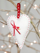 Load image into Gallery viewer, Christmas Trio of decorations Felt Craft Sewing Kit Heart