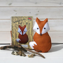 Load image into Gallery viewer, Foxy Felt Sewing Kit