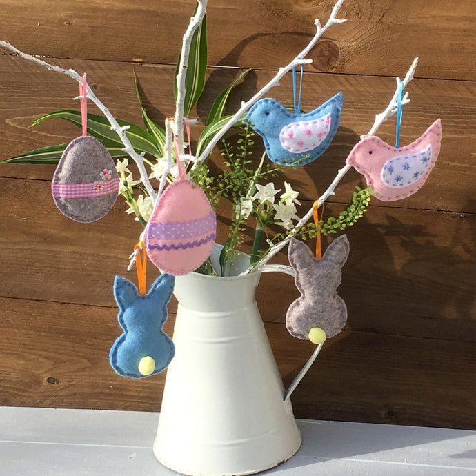 Easter Decorations Sewing Kit